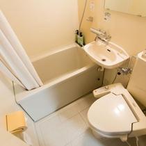 【バスルーム】全室混合水栓・ウォシュレット完備でございます