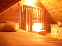2-4名様用ログハウス「ロスティ」寝室