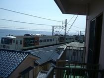 部屋から電車