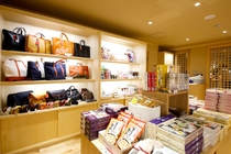 お土産処では城崎のお土産を取り揃えています。