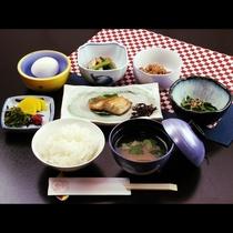 朝はしっかりと和食で♪飯坂名物ラジウム卵付