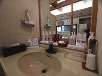 【大浴場】女性風呂の脱衣スペース