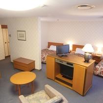 トリプルルームB(47平米・正規ベッド3台)