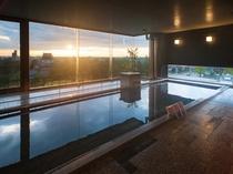 夕焼けの大浴場