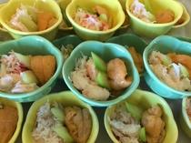 ウニとズワイガニの小鉢