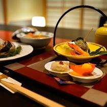 【部屋食(イメージ)】気兼ねない部屋食で、ゆったりとしたお食事を