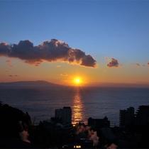 ■ 伊豆の島々を眺めながらの日の出は東伊豆ならではの絶景