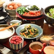 ご朝食:惣菜ミニバイキング(サラダ・ドリンク)
