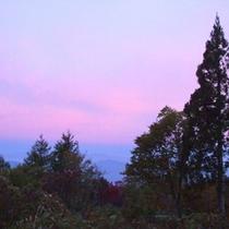 *夕暮れの美しい空の色