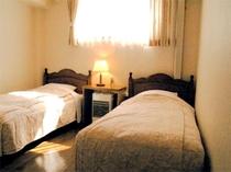 コテッジ寝室