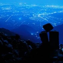 地蔵岩と夜景