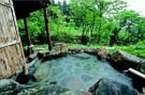 渓流沿い露天風呂