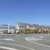 【外観】岡山県のほぼ中央に位置する「吉備高原都市」内にある便利な立地