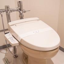【デラックスツイン:トイレ】バストイレがセパレートでゆったりとご利用いただけます