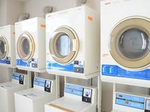 【コインランドリー】洗濯機、乾燥機を設置しております(有料です)