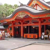 【青島神社・本殿】ホテルより徒歩15分