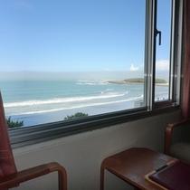 【海側和室眺望一例】日向灘、水平線、青島を一望のオーシャンビュー。