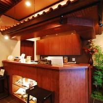 バリ島の高級リゾートホテルをイメージしたフロント