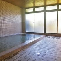 *女性大浴場/のんびりと湯船につかって、1日の疲れを癒しましょう。