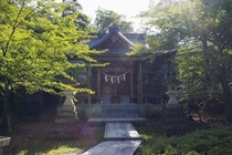 東山神社正面
