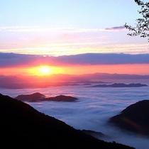 大江山連峰の雲海(福知山)