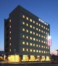 ホテル外観・夜景