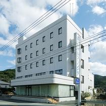 【外観】有川港から車で約5分!ビジネスや観光におすすめです。
