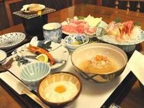 地魚の刺身や煮魚、旬の食材を使った和風コース料理