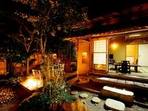離れ『雄飛』夜・庭園
