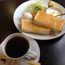 カフェ朝食(洋食)ご朝食は和食または洋食からお選びいただけます。