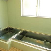【別館共同浴室】お部屋にお風呂はございますが、コチラもご利用いただけます。
