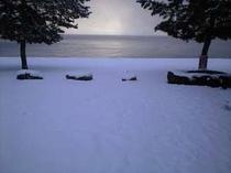 琵琶湖を望む冬景色