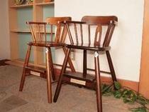 小さなお子様用のお食事椅子をご用意しています