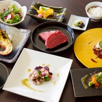 カリッと焼きあげたフォアグラと静岡県産の鰻は、リゾットと合わせて濃厚なポルトソースで