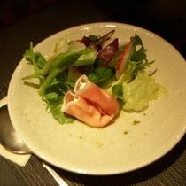 前菜 季節のサラダ