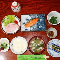 【朝食一例】入善産コシヒカリを使った和朝食をどうぞ。