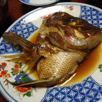 *夕食一例/旬のお魚を使った料理。時期により何が出てくるか楽しみ。