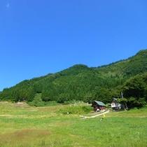 夏は緑鮮やかな山々を一望!夏でも涼しく過ごせます。。
