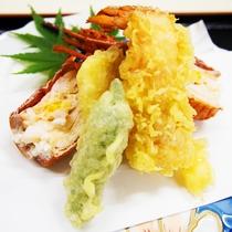 【新鮮サクサク♪】新鮮な伊勢海老と地元の野菜を天ぷらにしました