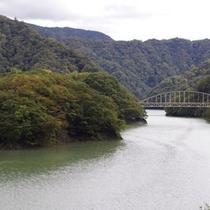 五十里湖に架かる海尻橋