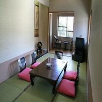 10畳客室(川沿いに広縁付き)