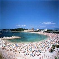 【白良浜海水浴場】5月3日に本州で最も早い海開きが行われる日本屈指の海水浴場