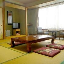 *【和室一例】畳のお部屋でごろりとお寛ぎ下さい。