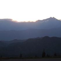 *【周辺風景】刻々と表情を変える山々