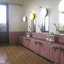 *【大浴場】女性/ゆとりの洗い場