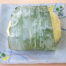 *【料理一例】小川村が発祥の「おやき」
