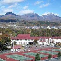 *【周辺】季節ごと様々な表情を見せる浅間山がご覧いただけます。