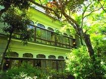 新緑の萬翠楼