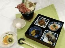 夕食・松花弁当、すきやき鍋料理