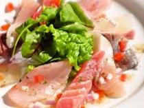 夕食の一例(地魚のカルパッチョ)
